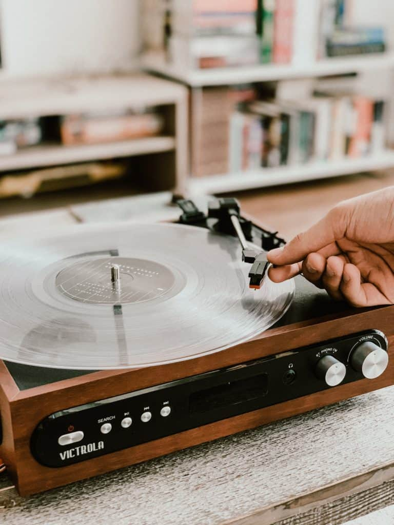 victrola record players R4Rdi0EfBws unsplash