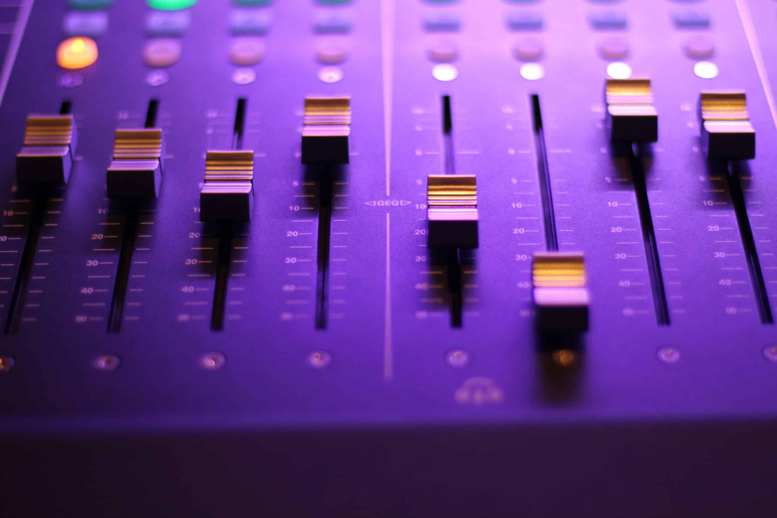 best free daw for windows - mixing console