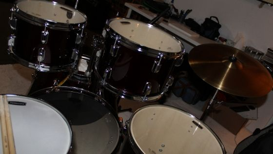 best acoustic drum kit for home recording - behind the scenes view of the mapex tornado