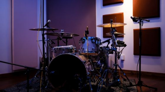 best way to record drums at home - recording drums at home using an acoustic drum kit