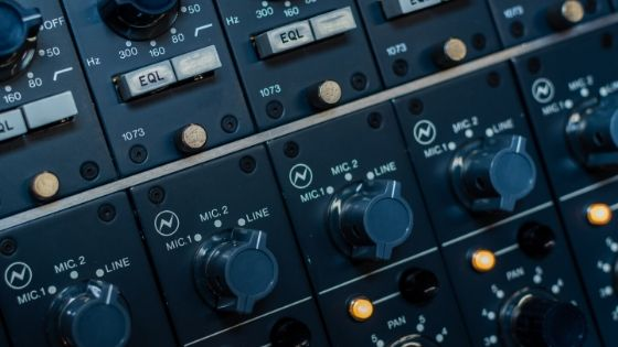 what's the difference between mixing and mastering - mixing console 4