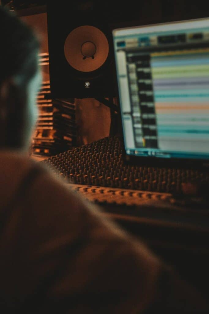 what's the difference between mixing and mastering - mixing and mastering engineer