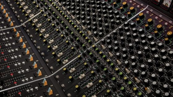 what's the difference between mixing and mastering - mixing console 1