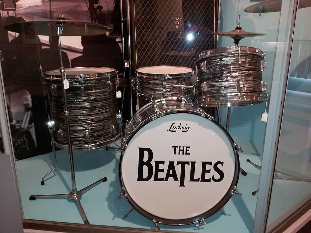 how did the beatles record drums - replica of ringo starr's kit