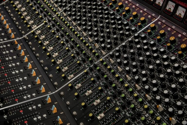 online mixing and mastering services - decibel peak