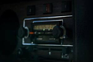how to start an internet radio station from home - vintage radio