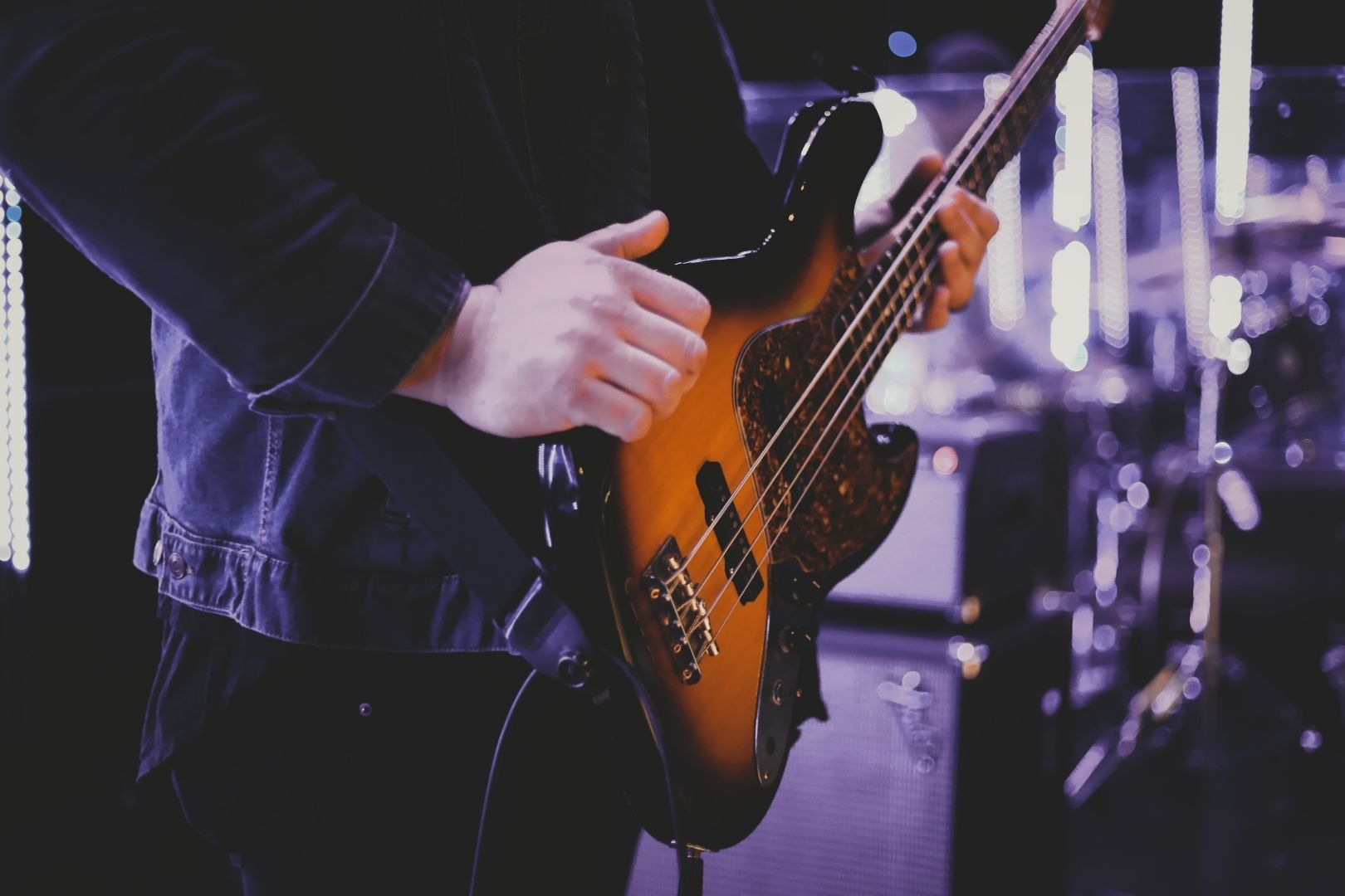how to mix bass guitar in logic pro x - decibel peak academy