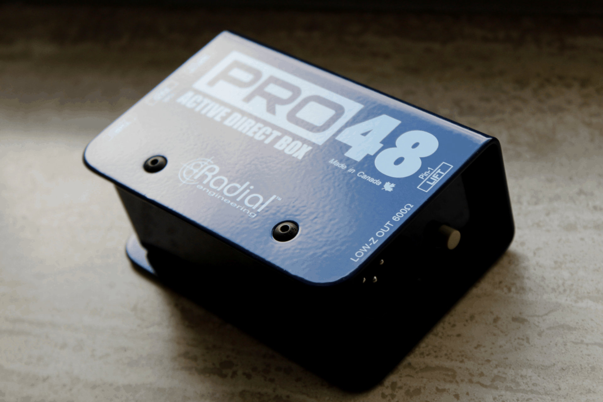 2 of the best budget di boxes for bass and guitar - decibel peak